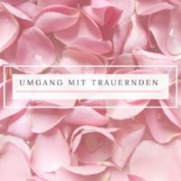Rosa Blütenblätter mit Regentropfen mit dem Titel